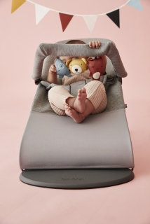Lehátko Babybjorn Bouncer Bliss Light Grey 3D Jersey s hračkou textilní Soft friends